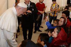 """El papa Francisco afirmó que ·""""son los comunistas los que piensan como los cristianos"""", al contestar sobre si querría una sociedad de inspiración marxista, en una"""