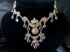 STUNNING! Unsigned GOLDETTE Vintage Etruscan Revival Bib Necklace fit for a #QueenBee