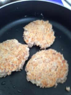 clean eating tuna cakes (patties). Recipe to lose weight. Healthy recipe.