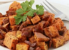 Sous-Vide Sweet Potatoes Infused with Smoked Garlic, Paprika and Maple Syrup - Sous-Vide Tools How To Cook Chili, How To Cook Pasta, Sweet Potato Recipes, Vegetable Recipes, Sous Vide Vegetables, Sous Vide Cooking, Vegetarian Entrees, Roasted Sweet Potatoes, Feta