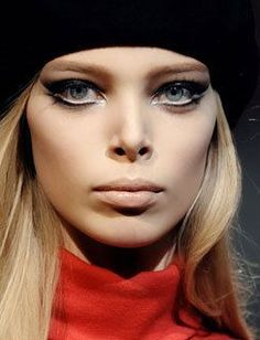 I would love to rock some 60s style, mod, Twiggy makeup