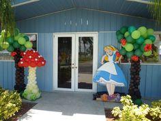 Alice in Wonderland characters, Mushroom balloon sculpture. http://www.dreamarkevents.com/wonderland.html