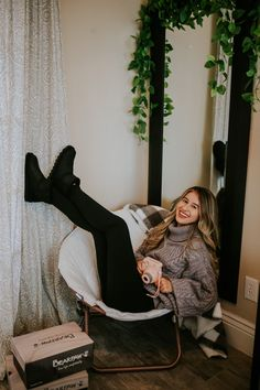 Like it's cousin the Alyssa, the 5 inch Aleesa is the perfect boot embellished with a herringbone pattern embossed upper for added detail 🐻🐾 Shop Aleesa: www.bearpaw.com #LiveLifeComfortably #BearpawStyle
