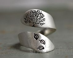 Sterling Silver Tree of Life ring from Villa Sorgenfrei - unique handmade jewelry ​​with real flowers and more