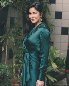 Katrina Kaif Wallpapers, Katrina Kaif Images, Katrina Kaif Photo, Bollywood Celebrities, Bollywood Fashion, Bollywood Actress, Hindi Actress, Most Beautiful Indian Actress, Beautiful Actresses
