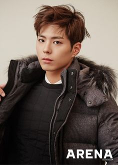 Park Bo Gum showed off a handsome boyfriend look for 'Arena'. Styled up with casual yet fashionable winter wear, the stunning actor melts hearts with his handsome look. Park Bo Gum's fierce gaze also adds to the manly vibe of the fashion photo shoot. Asian Actors, Korean Actors, Korean Dramas, Park Bogum, Moonlight Drawn By Clouds, Yoo Ah In, Perfect Boyfriend, Korean Star, Tumblr