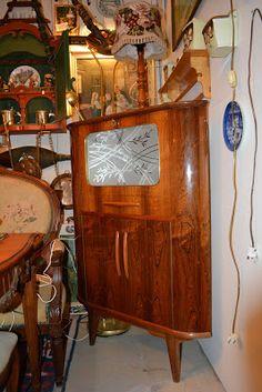 ReTro ToM Tom's Furniture World TOMANIA Retro Furniture, Furniture Design, Vintage Writing Desk, Norway Design, Hall Mirrors, Small Bars, Vintage Office, Cabinet Makers, Cabinet Design