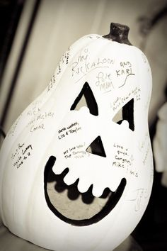 Stories and Photos From A Variety of Halloween Weddings - Neatorama