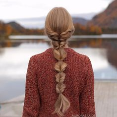 Faux bubble braid on myself. Hope you're all having a great week❤️ -Linda