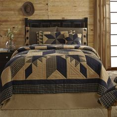 From the Ashton & Willow bedding by VHC Brands, the Dakota Star Quilt collection features a star patchwork. Perfect for your country primitive home or cabin decor, The Dakota Star Queen Quilt is a bla Primitive Quilts, Primitive Bedding, Primitive Homes, Primitive Decor, Primitive Curtains, Rustic Quilts, Primitive Furniture, Country Bedding, Country Quilts