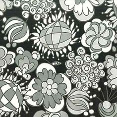 LARGE BLOOMS BLACK AND WHITE FABRIC
