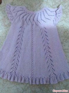 Knitting Patterns Girl Girls looking for a description of sundress Girls Knitted Dress, Crochet Summer Dresses, Knit Baby Dress, Knitted Baby Clothes, Baby Knitting Patterns, Knitting For Kids, Knitting Designs, Baby Patterns, Diy Crochet Sweater
