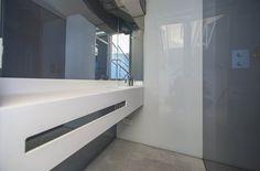 Interior de las cajas de cristal, zona baño. Proyecto: Habitación de invitados. Diseñador: Alfons Tost Interior Design
