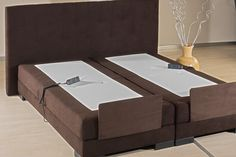 What is a box spring bed base?