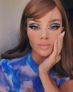 retro makeup looks Glam Makeup, Retro Makeup, Hair Makeup, 70s Disco Makeup, 1970s Makeup, Twiggy Makeup, Eye Makeup, Maybelline, Make Up Looks