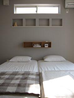 キッチンに無印の「壁に付けられる家具」。。。 - Ducks Home Bedroom Closet Design, Natural Interior, Interior Windows, Interior Decorating, Interior Design, House Windows, Window Design, Minimalist Living, Model Homes