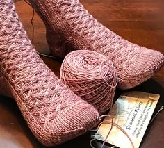 Worked form the top down, Galloway features a cable pattern that starts at the very top of the sock and continues all the way down to the toe.