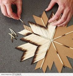 DIY: Make A Star With Burnt Matches On Cardboard #Home #Garden #Trusper #Tip