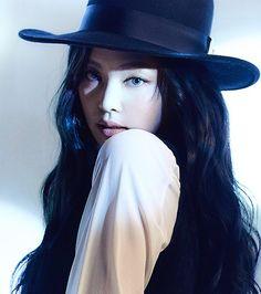 Lisa Black Pink, Black Pink Songs, Black Pink Kpop, Blackpink Jennie, Blackpink Teaser, South Korean Girls, Korean Girl Groups, Rapper, Mode Kpop