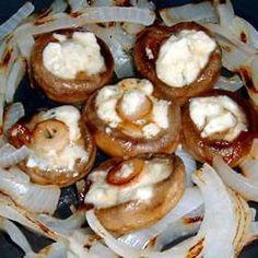 Gevulde champignons met gorgonzola en geroosterde ui @ allrecipes.nl