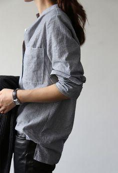 SHADES OF GREY - GREY OUTFIT Uno dei miei colori preferiti. L'unione del bianco e del nero. Un colore freddo e neutro dalle mille sfumature, perfetto, così tanto da poter essere abbinato a qualsiasi altro colore: rosa, blu, viola, rosso ecc ecc