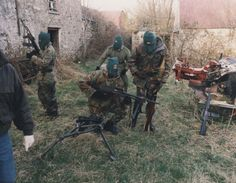 Volunteers of an Active Service Unit (ASU) of the Irish Republican Army preparing for a foot-patrol, British Occupied North of Ireland, 1994 Northern Ireland Troubles, The Ira, Irish Republican Army, Political Strategy, Bradford City, Armagh, War Photography, Irish Celtic, Wrestling