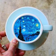 The very popular Korean barista Lee Kang Bin is a specialist of Coffee Art, or Latte Art, creating real pieces of art on your coffee foam! In addition to his Coffee Latte Art, Coffee Shop, Coffee Cups, Coffee Van, Coffee Logo, Iced Coffee, Bar Kunst, Baby Shower Boho, Arte Van Gogh