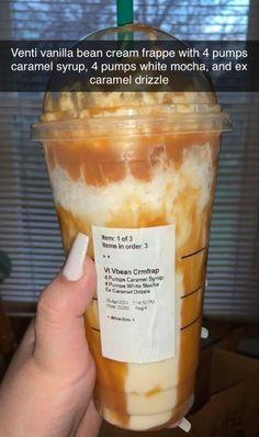 Bebidas Do Starbucks, Healthy Starbucks Drinks, Yummy Drinks, Yummy Food, Starbucks Secret Menu Drinks, Coffee Drink Recipes, Fun Baking Recipes, Food Cravings, Starbuck Drinks