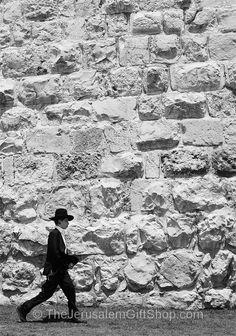 Near Jaffa Gate, Jerusalem just before Shabbat