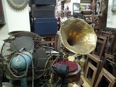 Antique shop - one of many in Stone Town. Prices are not cheaper than in EU