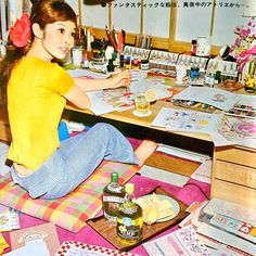 Mizumori Ado 水森亜土 illustrator, singer, actress, painter & writer, work at home - Japan - 1970 Picnic Blanket, Outdoor Blanket, Girl Cartoon, 70s Fashion, Dream Life, Vintage Art, Girly, Singer, Japanese