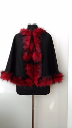 New Collection Winter Cape&Poncho Black Delicate Wool Cloak in faux fox fur…