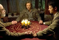 "Supernatural -- ""Inside Man"" -- Image -- Pictured (L-R): Richard Newman as Oliver, Jared Padalecki as Sam, and Misha Collins as Castiel - © 2015 The CW Network, LLC. All Rights Reserved Supernatural Season 10, Jared Supernatural, Supernatural Episodes, Castiel, Seattle, Grimm, Osric Chau, Mark Of Cain, The Things They Carried"