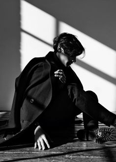 "l-homme-que-je-suis: Timur Simakov in ""The Shadow Line"" Photographed by Johanna Nyholm and Styled by Atip W for Off Black Magazine White Photography, Portrait Photography, Fashion Photography, Photography Ideas, Timur Simakov, Off Black, Black And White, Cool Winter, Model Shooting"
