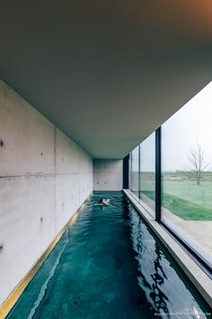 EXPLORED_The Bunkers in Knokke-Heist with Geberit Aqua Clean brutalist swimming. EXPLORED_The Bunkers in Knokke-Heist with Geberit Aqua Clean brutalist swimming pool Indoor Swimming Pools, Swimming Pool Designs, Lap Pools, Lap Swimming, Moderne Pools, Small Backyard Pools, Small Indoor Pool, Small Pools, Pool Decks