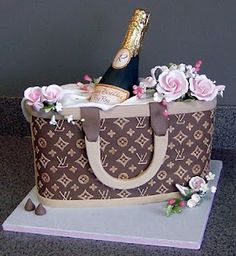 Wonderfully chic and unique Louis Vuitton Purse Cake with champagne and roses. 21st Birthday Cakes, Birthday Cakes For Women, 21st Cake, Unique Cakes, Creative Cakes, Crazy Cakes, Fancy Cakes, Shoe Cakes, Cupcake Cakes