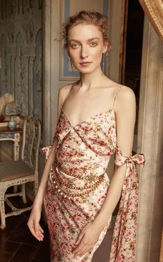 Faith Bow-Detailed Floral-Print Satin Midi Dress by Markarian   Moda Operandi Dress With Bow, Dress Up, Looks Hippie, Nouveau Look, Satin Midi Dress, 80s Fashion, Fashion Quiz, Fashion Quotes, Modest Fashion
