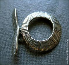 Тогл серебро 925 Круг. Качественный замок из серебра,пр-ва США,проба стоит.  Прекрасно подойдет как для браслетов так и для колье из камней,жемчуга и т.д.     Остаток 3 штуки.    Постоянным покупателям скидка - 5%.  При покупке свыше 10.000 р. скидка -10%.