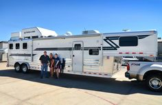 A big thank you to Linda Woodruff from Bellaire, TX on her purchase of this 3 Horse Slant w/ LQ 4-Star Trailer! Linda purchased her trailer from Jake Ramsey of Gulf Coast 4-Star Trailer Sales.  877.543.0733  www.gc4star.com
