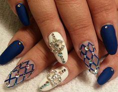 Blu bianco e reticolo blu con strass