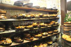 「Botín ボティン」: ギネス認定の世界最古のレストラン。名物のコチニージョ(子豚の丸焼き)。