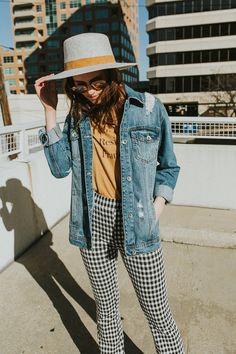 We're absolutely loving Plaid Kick Flare Pants in fashion right now! Read this post for our favorite items plus learn how to style plaid kick flare pants. Plaid Fashion, Look Fashion, Autumn Fashion, Fashion Outfits, Fashion Trends, Glam Rock, Gingham Pants, Patterned Pants Outfit, Plaid Pants Outfit