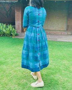 Kalamkari dresses - Shades of blue checks dress 2 Kalamkari Dresses, Ikkat Dresses, Dresses Dresses, Kurta Designs Women, Salwar Designs, Dress Neck Designs, Blouse Designs, Frock Fashion, Fashion Dresses