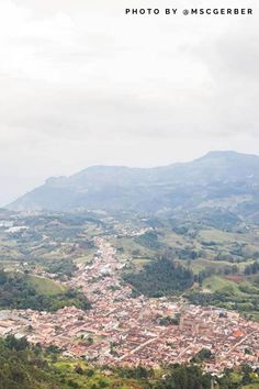 You plan to travel to Jerico, Antioquia and are looking for the best tips, tricks and things to do in Jerico Antioquia? Travel Destinations Beach, Places To Travel, Best Disney World Food, Packing List For Travel, Travel Guide, Best Countries To Visit, Travel Photography, Photography Tips, Beach Town