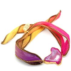 Wild Fresia Zijde Armband Edelsteen Agaat ♡ available at www.ibizamusthaves.nl Silk Wrap Bracelets, Beautiful Hands, Gemstones, Boho, Leather, Handmade, Jewelry, Fashion, Wristlets