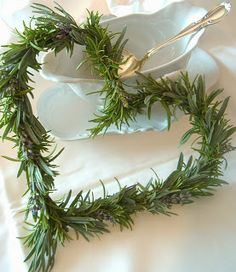 easy to make decorations rosemary heart.....add prim name tag for cute place markers, would smell great to