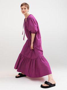 Romantic dresses meet chunky sandals | 받은메일함 | Daum 메일 Snapchat, Intelligent Agent, Social Media Plattformen, H&m Group, Chunky Sandals, Midi Skirt, Women Wear, Romantic Dresses, Collection