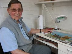 A veteran from Nottinghamshire is painting again with the help of equipment donated by a charity. Uk News, Arts And Crafts Projects, Bbc, The Help, Workshop, England, Pastel, Inspirational