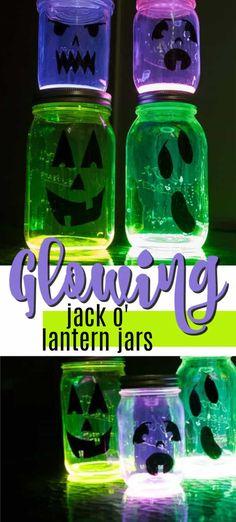 Glowing Jack O Lantern Jars - fun glow in the dark pumpkin luminaries! Glow Stick Jars, Glow Jars, Glow Sticks, Halloween Pumpkin Designs, Scary Halloween Pumpkins, Halloween Fun, Halloween Projects, Pumpkin Painting Party, Pumpkin Decorating Contest