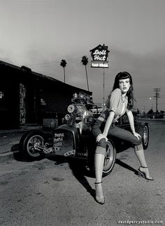 David Perry's Hot Rods and Pin Up Girls | sadmanstongue